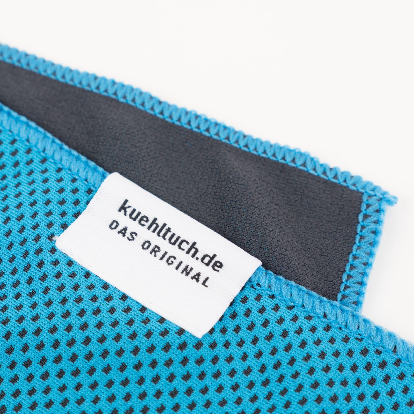 Kuehltuch himmelblau Label